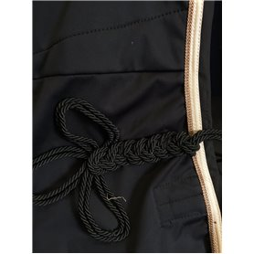 Couvre-reins Soft shell noir galon creme avec tresse camel et tresse de queue noire